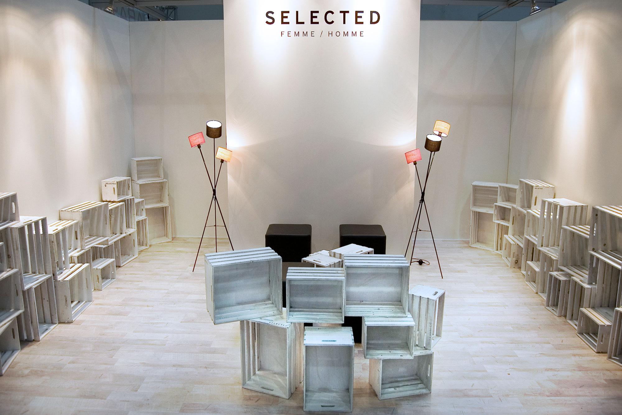 Selected GDS Stand Design Stil Manipulation