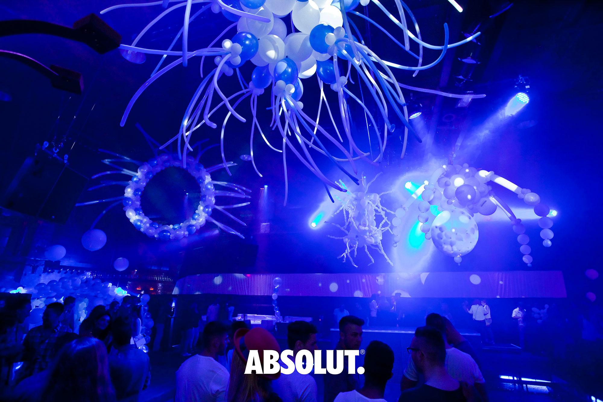 ABSOLUT Transform Today Events 2014 Balloon Art StilManipulation