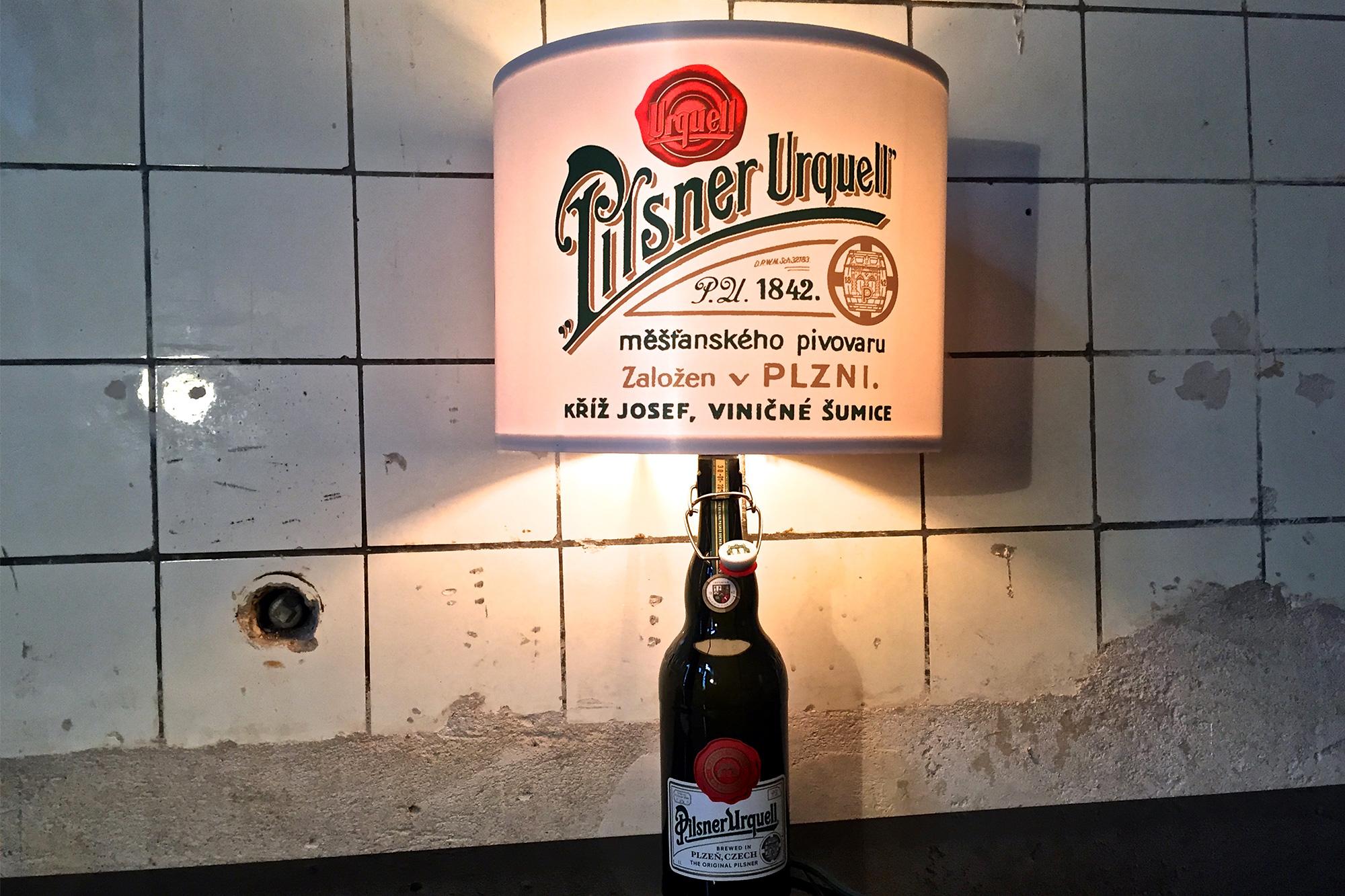 Pilsner Urquell POSM Design Stil Manipulation 2014