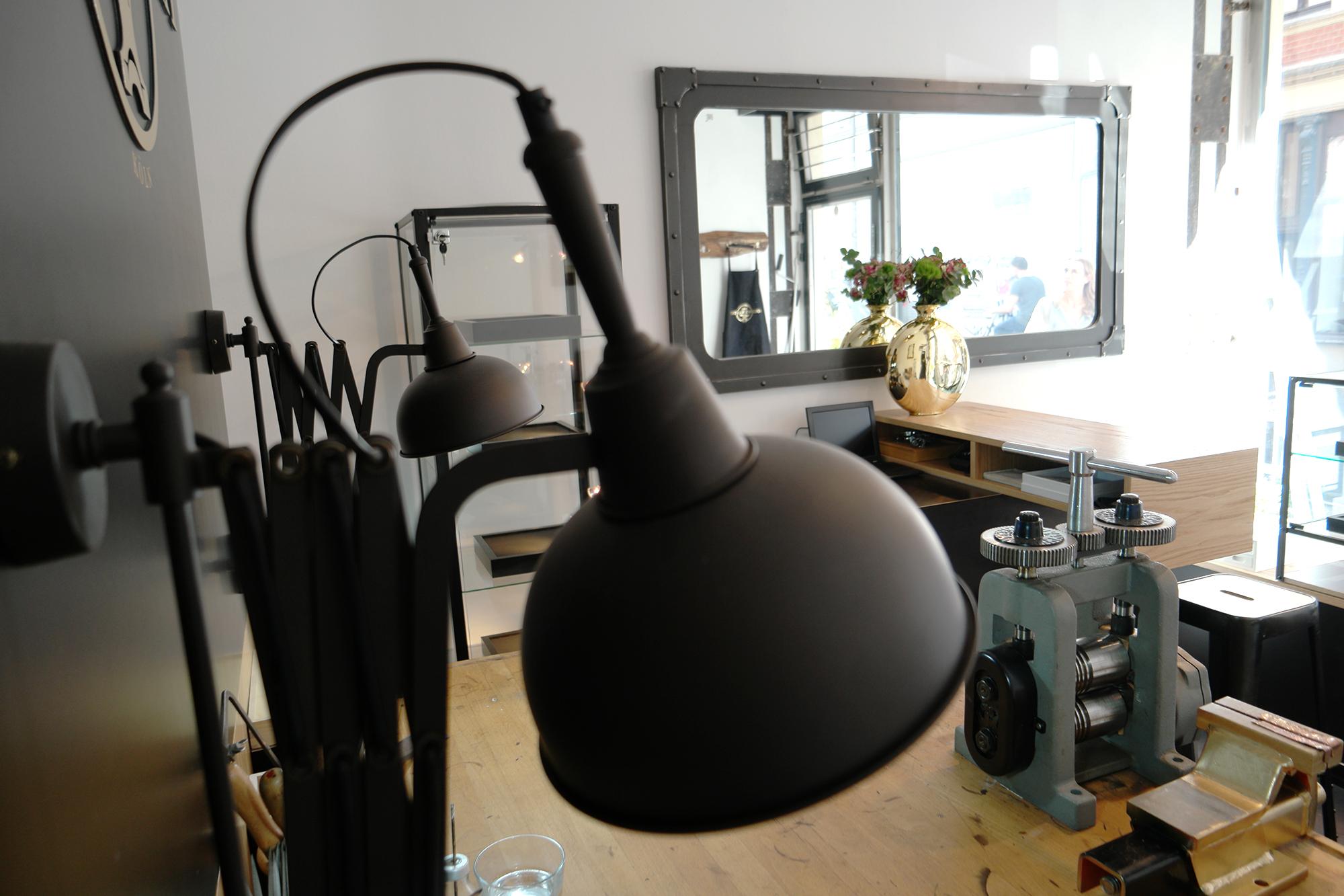 StilManipulation Die Goldwerkstatt 2016 Showroom Interior Design