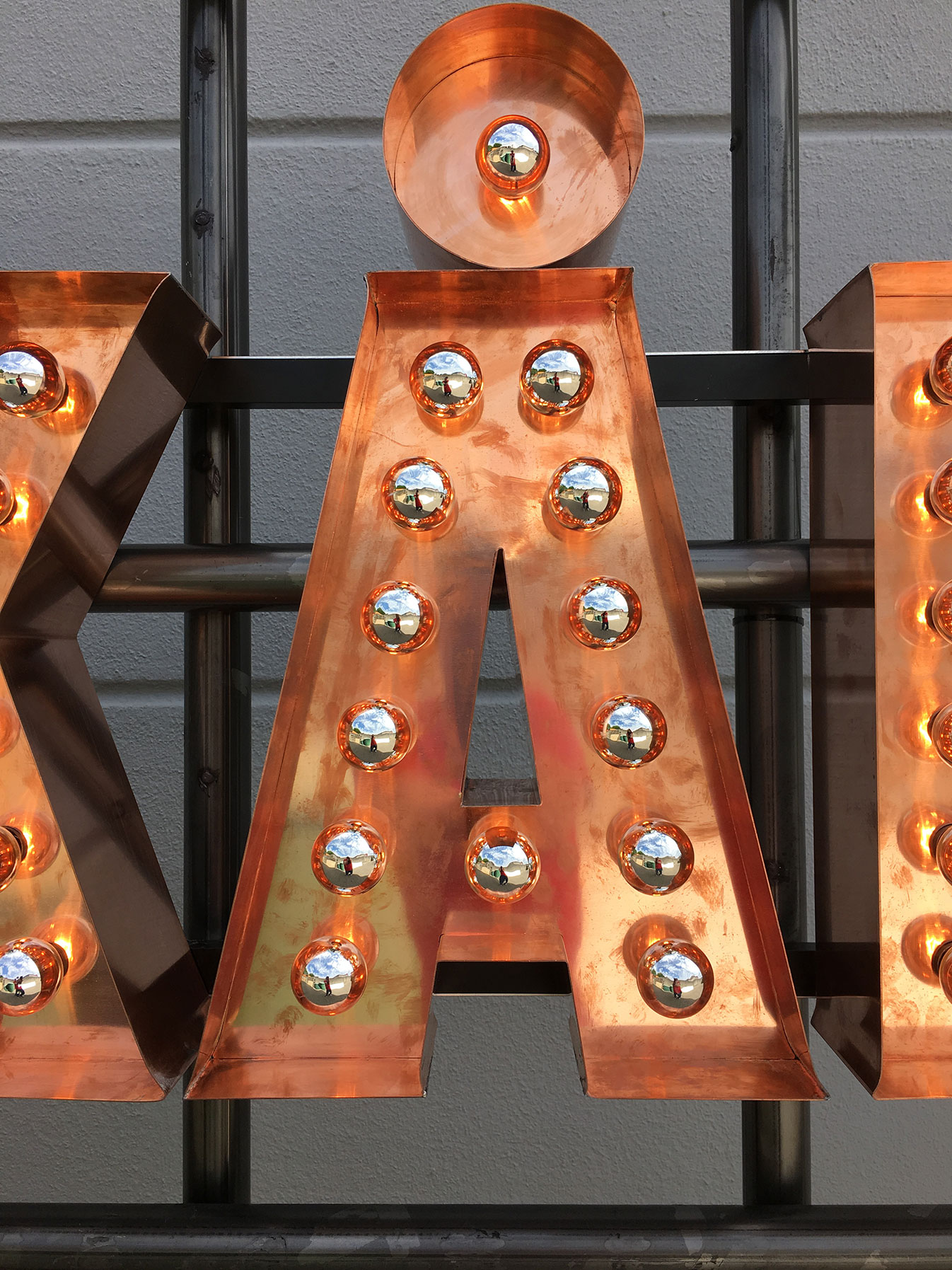 StilManipulation Absolut Elyx Copper Skål Display 2016