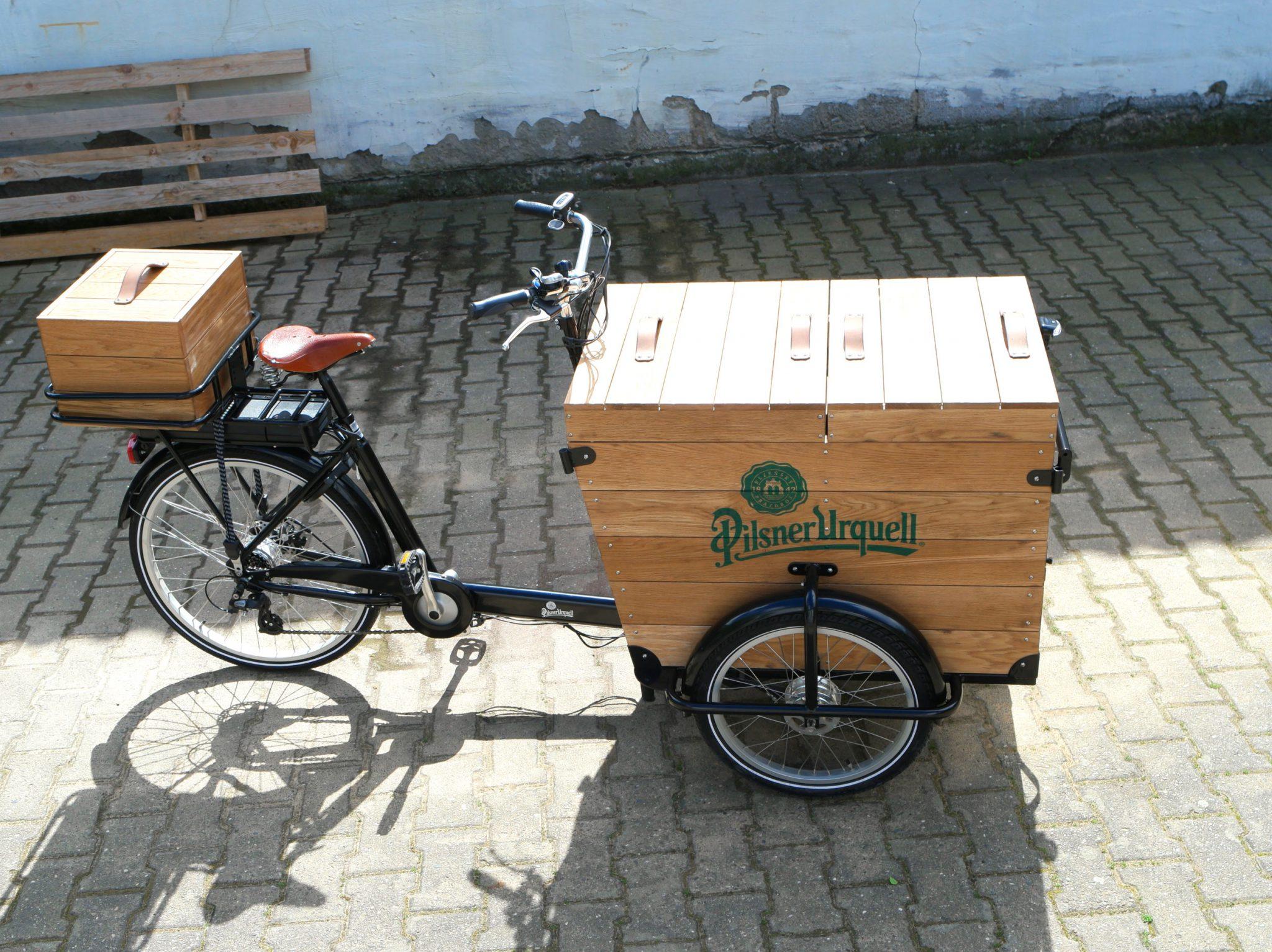 Pilsner Urquell Bar Bike Design Stil Manipulation 2016