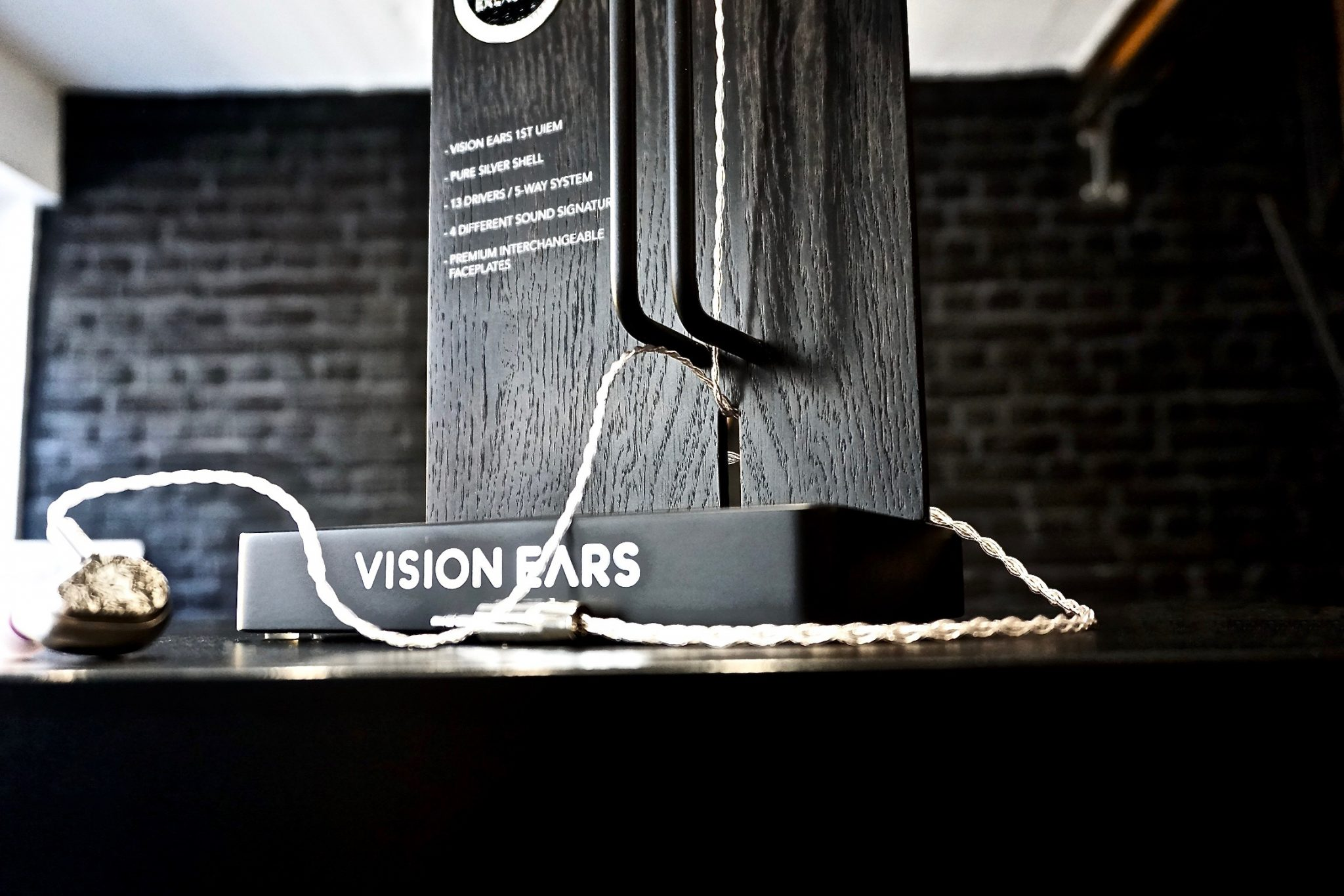 Vision Ears, Erlkönig, Product Display Design, Stil Manipulation 2018