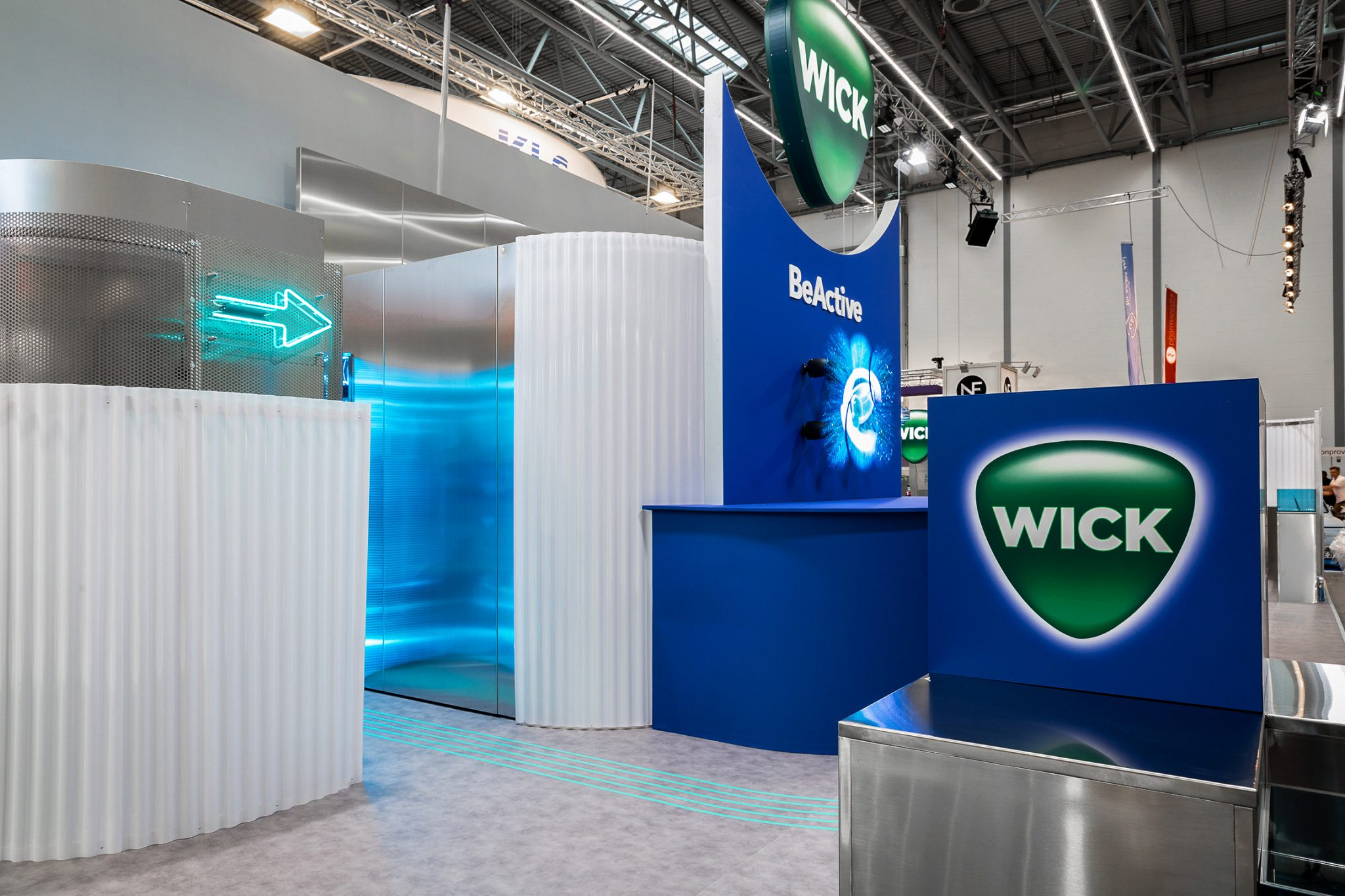 Wick Expopharm 2019, Design Stil Manipulation 2019, Expopharm, Messestand Design, Messe Design, Messebau Köln, Wick Be Active, Trade Show Design, Trade Show Booth Design,